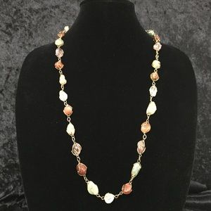 Jewelry - Vintage polished stone and gold wire necklace a006